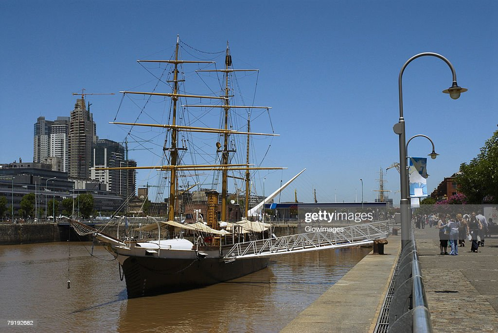 Tall ship in the sea, Corbeta Uruguay, Puerto Madero, Buenos Aires, Argentina : Foto de stock