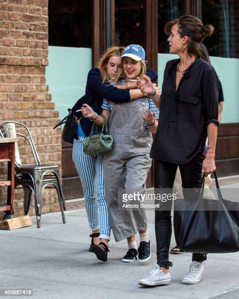 Talluah Willis and Scout Willis have reunion at their mom Demi Moore's Manhattan hotel on September 18 2014 in New York City