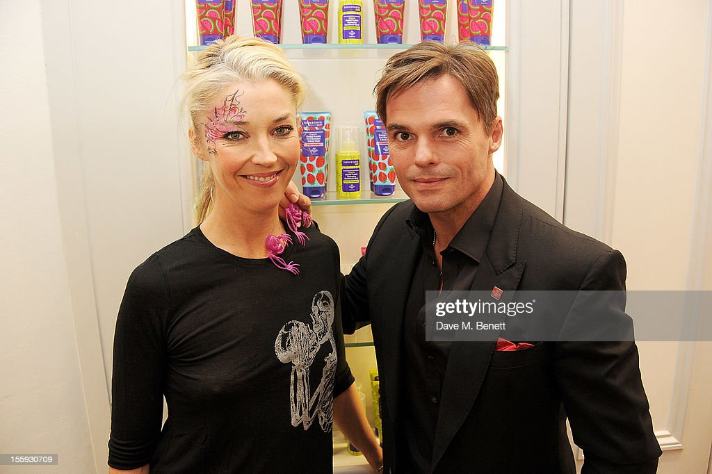 <a gi-track='captionPersonalityLinkClicked' href=/galleries/search?phrase=Tamara+Beckwith&family=editorial&specificpeople=201578 ng-click='$event.stopPropagation()'>Tamara Beckwith</a> (L) and Daniel Galvin Jr attend the launch of Dubble Trubble by celebrity hair colourist and organic beauty pioneer Daniel Galvin Jr of Galvin & Galvin, in aid of The Prince's Trust, on October 31, 2012 in London, England.