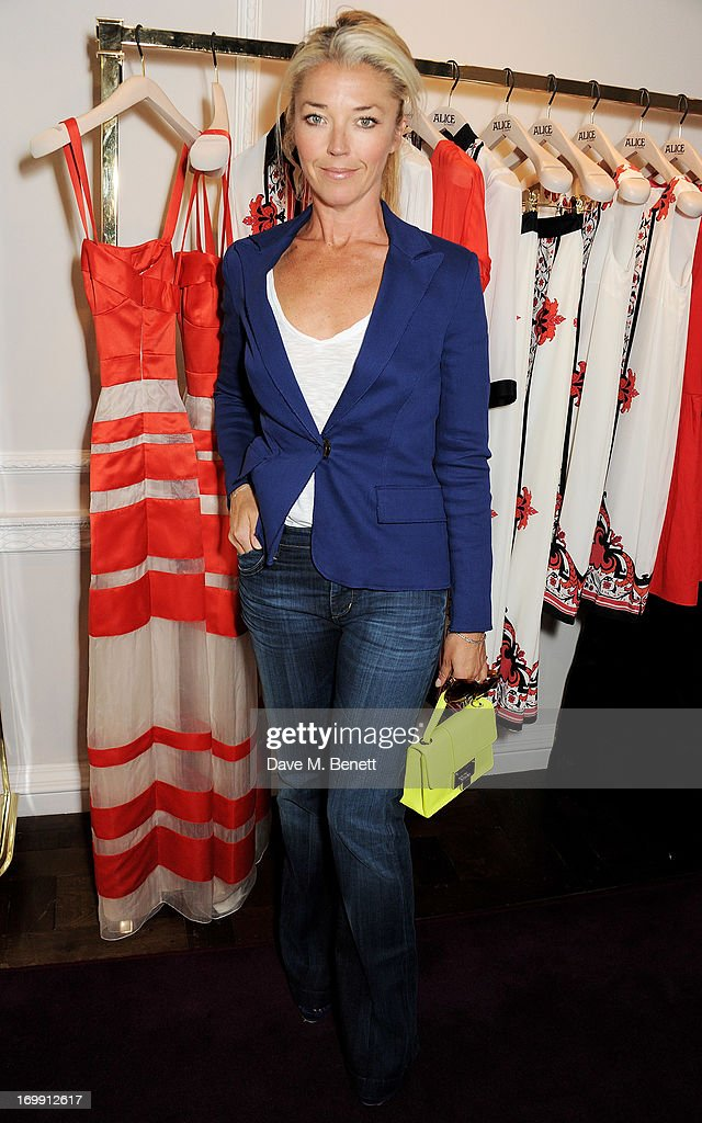 <a gi-track='captionPersonalityLinkClicked' href=/galleries/search?phrase=Tamara+Beckwith&family=editorial&specificpeople=201578 ng-click='$event.stopPropagation()'>Tamara Beckwith</a> attends the Salon Tea hosted by Alice Temperley and Yasmin Mills at Temperley London on June 4, 2013 in London, England.