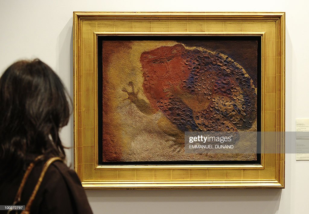 'Tamazul (Sapo)' by Fransisco Toledo is on display during a preview of Christie's Latin American Art auctions, May 24, 2010 in New York. Christie's will hold its Latin American Art auctions on May 26 and 27, 2010. AFP PHOTO/Emmanuel Dunand