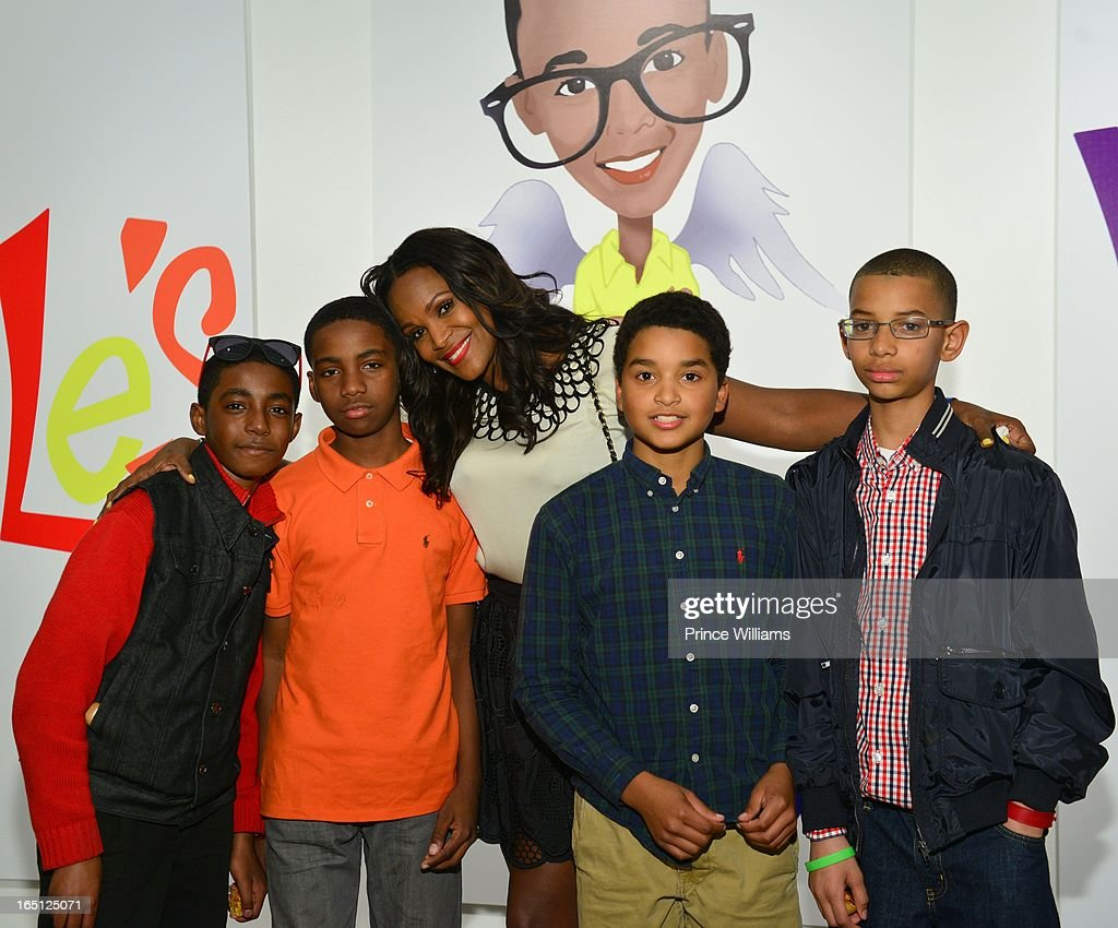 <a gi-track='captionPersonalityLinkClicked' href=/galleries/search?phrase=Tameka+Foster&family=editorial&specificpeople=4117530 ng-click='$event.stopPropagation()'>Tameka Foster</a> (C) with her son's friends during the birthday and foundation lanuch Kile's World to honor Kile Glover at the Woodruff Arts Center on March 29, 2013 in Atlanta, Georgia.