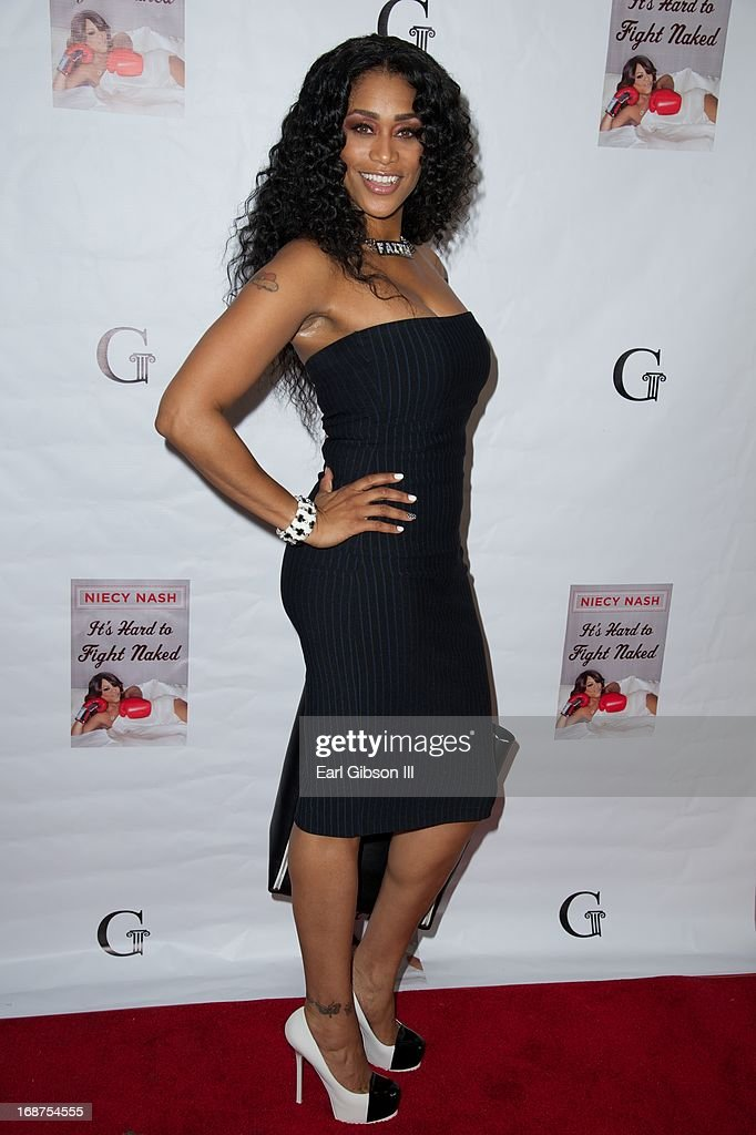 <a gi-track='captionPersonalityLinkClicked' href=/galleries/search?phrase=Tami+Roman&family=editorial&specificpeople=7202042 ng-click='$event.stopPropagation()'>Tami Roman</a> attends the Release of Actress, Comedian, Niecy Nash's new book 'It's Hard to Fight Naked' at Luxe Rodeo Drive Hotel on May 14, 2013 in Beverly Hills, California.
