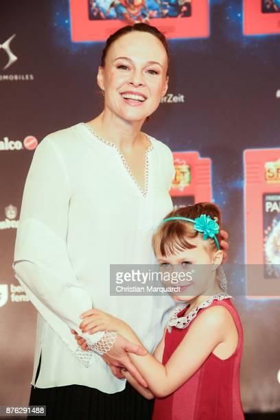 Tami Stronach and her daughter Maya attends the premiere of children's show 'Spiel mit der Zeit' at Friedrichstadtpalast on November 19 2017 in...
