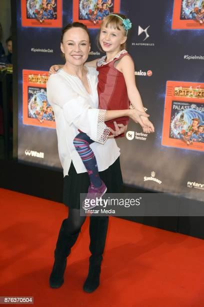 Tami Stronach and her daughter Maya Steinbruner attend the premiere of the children's show 'Spiel mit der Zeit' at Friedrichstadtpalast on November...