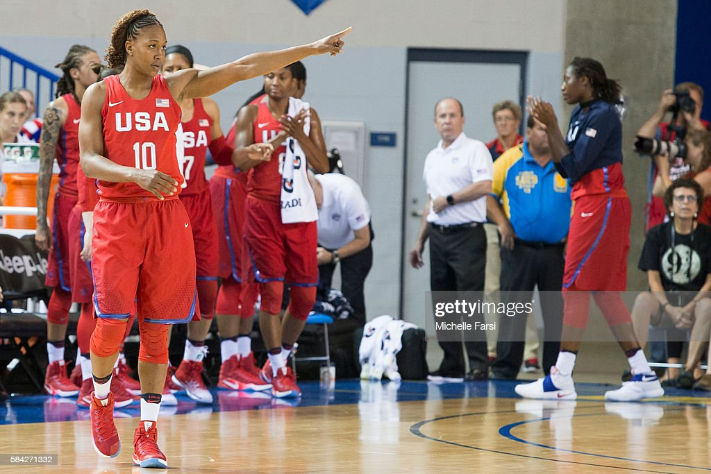 Tamika Catchings of USA Basketball Women's National Team celebrates against France during the USA Basketball Showcase on July 27 2016 at Bob...