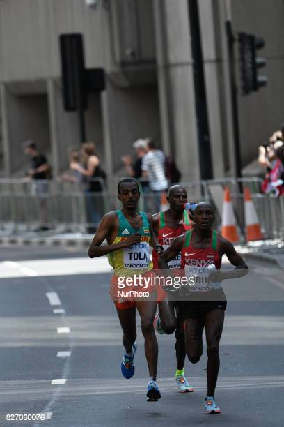Tamirat TOLA Ethiopia Geoffrey Kipkorir KIRUI Kenya and Gideon Kipkemoi KIPKETER Kenya during marathon in London on August 6 2017 at the 2017 IAAF...