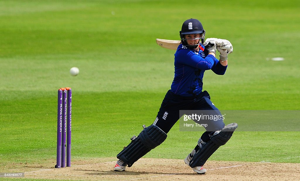 <a gi-track='captionPersonalityLinkClicked' href=/galleries/search?phrase=Tammy+Beaumont&family=editorial&specificpeople=6872444 ng-click='$event.stopPropagation()'>Tammy Beaumont</a> of England cuts the ball during the 3rd Royal Royal London ODI between England Women and Pakistan Women at The Cooper Associates County Ground on June 27, 2016 in Somerset, United Kingdom.