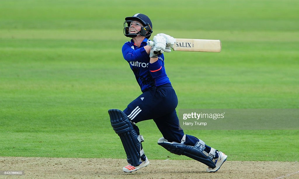 <a gi-track='captionPersonalityLinkClicked' href=/galleries/search?phrase=Tammy+Beaumont&family=editorial&specificpeople=6872444 ng-click='$event.stopPropagation()'>Tammy Beaumont</a> of England hits out during the 3rd Royal Royal London ODI between England Women and Pakistan Women at The Cooper Associates County Ground on June 27, 2016 in Somerset, United Kingdom.