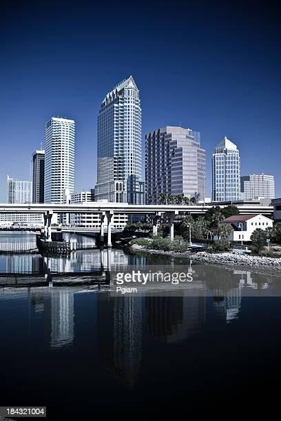 米国フロリダ州タンパの朝の街並み