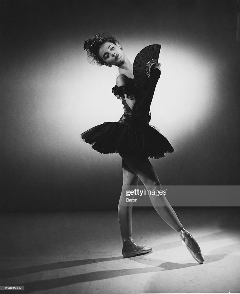 Tanaquil Le Clercq (1929 - 2000), a principal dancer with the New York City Ballet, in costume for 'Bourree Fantasque', 1950. The ballet was created by George Balanchine from a piece of music by Emmanuel Chabrier.