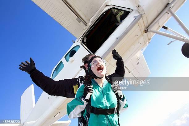In Tandem skydiving