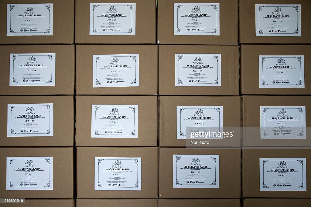Banten Indonesia  city photo : Tangerang, Banten, Indonesia, 01 June 2016 :Cardboard filled with ...