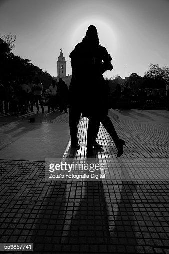 Tango shadows