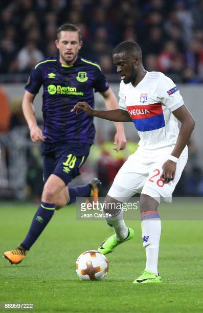 Tanguy Ndombele of Lyon Gylfi Sigurdsson of Everton during the UEFA Europa League group E match between Olympique Lyonnais and Everton FC at Groupama...