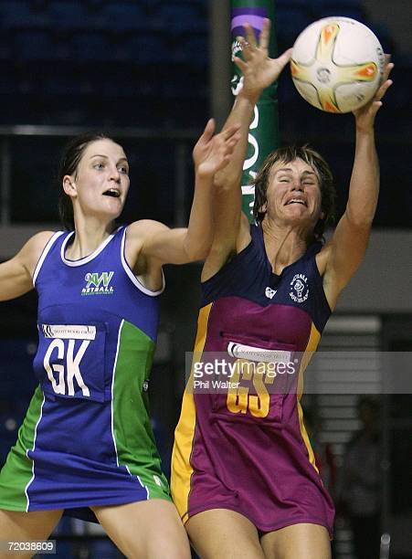 Tania Dalton of Southland collecgts the ball under pressure from Anna Scarlett of Auckland Waitakere during the Scottwood Trust Netball Championships...