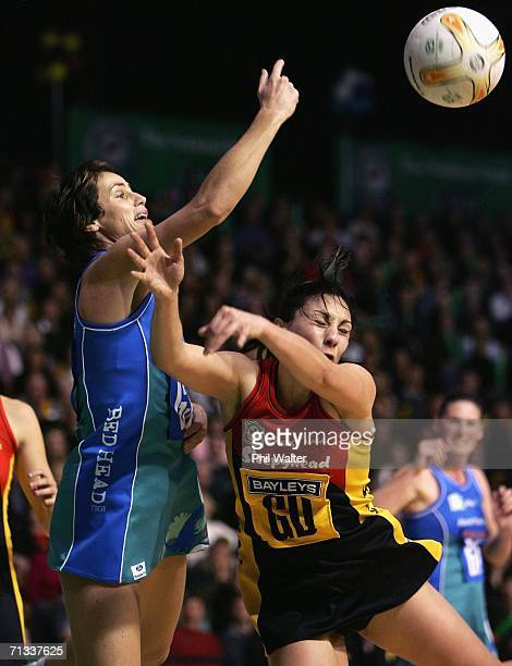 Tania Dalton of the Southern Sting and Joline Henry of the Bay of Plenty Magic battle for the ball during the National Bank Final match between the...