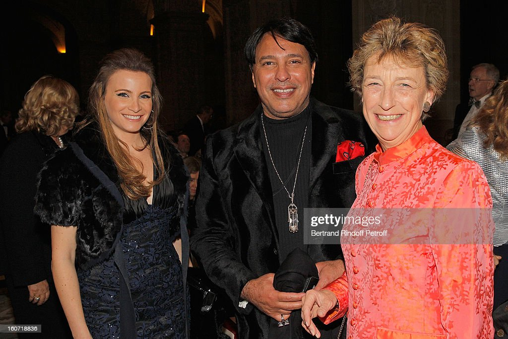 Tania Kassis, Prince Mubarak Fahad S. Al Sabah and Beatrix Saulne attend the gala dinner of Professor David Khayat's association 'AVEC', at Chateau de Versailles on February 4, 2013 in Versailles, France.