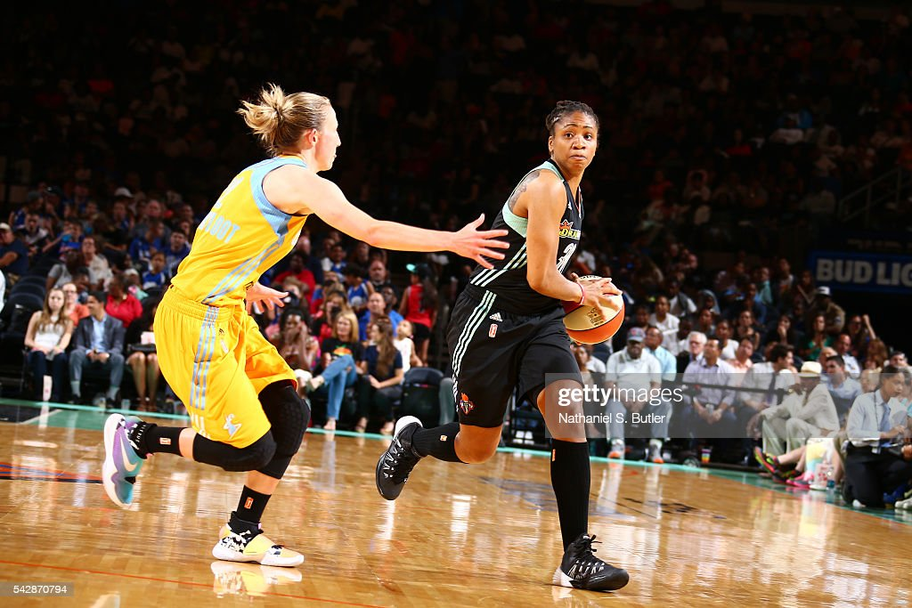 <a gi-track='captionPersonalityLinkClicked' href=/galleries/search?phrase=Tanisha+Wright&family=editorial&specificpeople=541423 ng-click='$event.stopPropagation()'>Tanisha Wright</a> #30 of the New York Liberty handles the ball against the Chicago Sky on June 24, 2016 at Madison Square Garden in New York, New York.