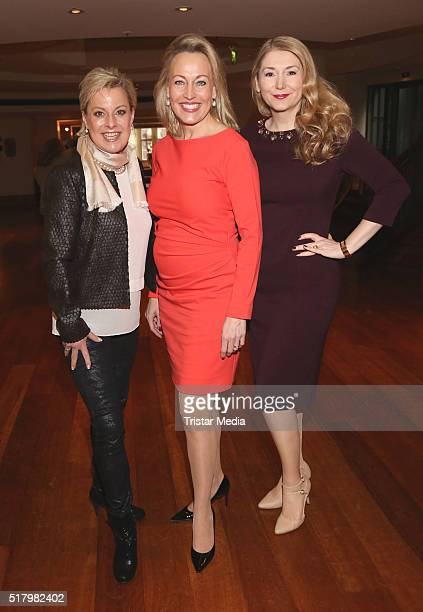 Tanja Schumann Simone Ahlhaus and Sandra Quadflieg attend the Ladies Lunch 'Spring at the Park' on March 29 2016 in Hamburg Germany