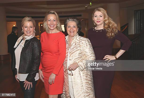 Tanja Schumann Simone Ahlhaus Hannelore Lay and Sandra Quadflieg attend the Ladies Lunch 'Spring at the Park' on March 29 2016 in Hamburg Germany
