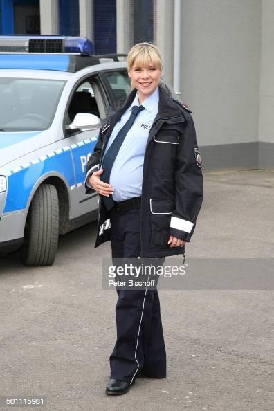 tanja szewczenko als polizistin im 9 monat schwanger wdr serie 39 ein fall f r die anrheiner. Black Bedroom Furniture Sets. Home Design Ideas