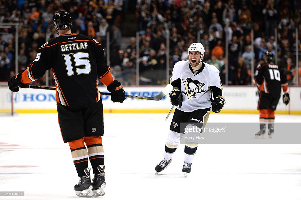 Tanner Glass #15 of the Pittsburgh Penguins reacts after a Ryan Getzlaf #15 of the Anaheim Ducks miss resulting in a 3-2 win in overtime shootout at Honda Center on March 7, 2014 in Anaheim, California.