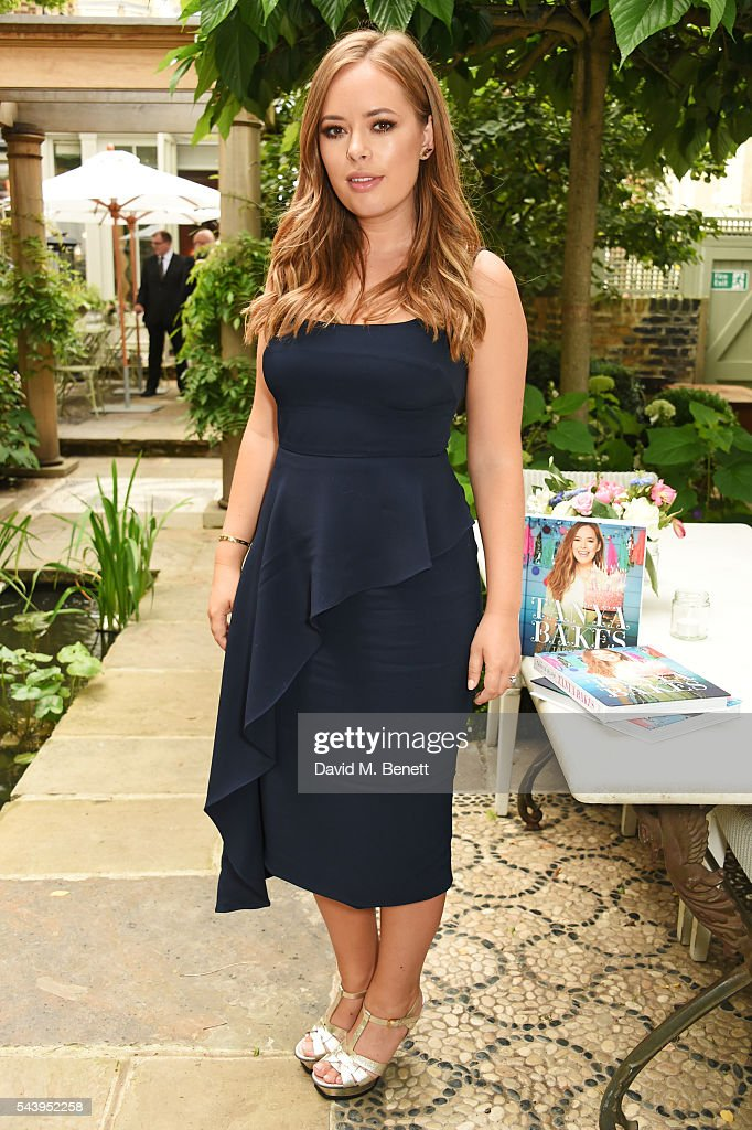 Tanya Burr Hosts Intimate Dinner To Launch Tanya Bakes