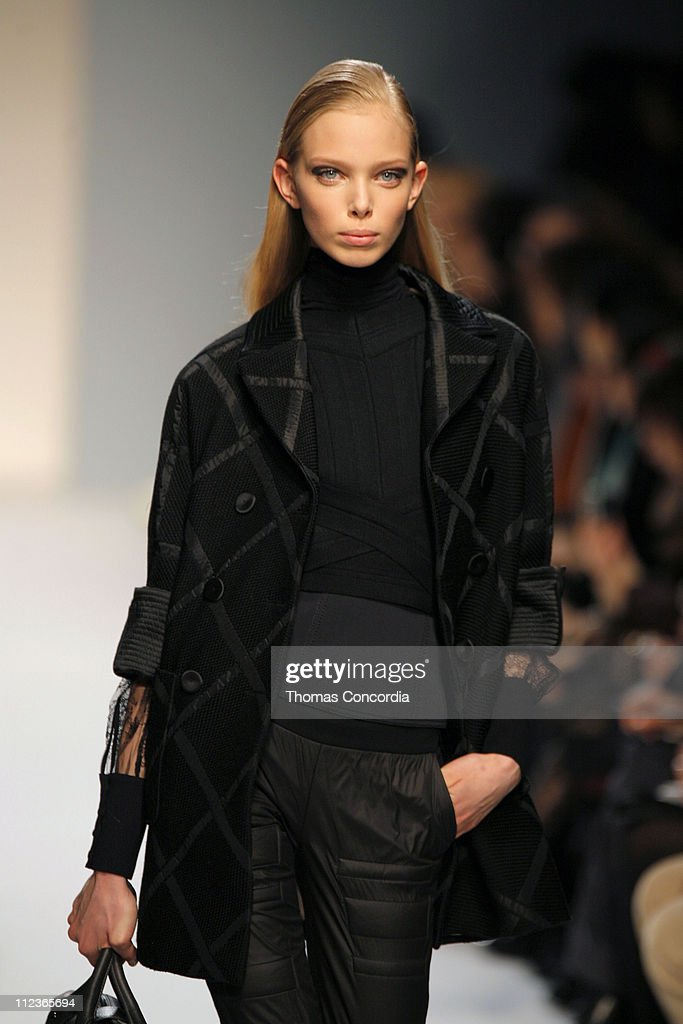 Milan Fashion Week Fall/Winter 2007 - Alessandro Dell'Acqua - Runway