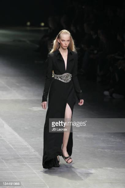 Tanya Dziahileva wearing Alexander McQueen Spring/Summer 2006