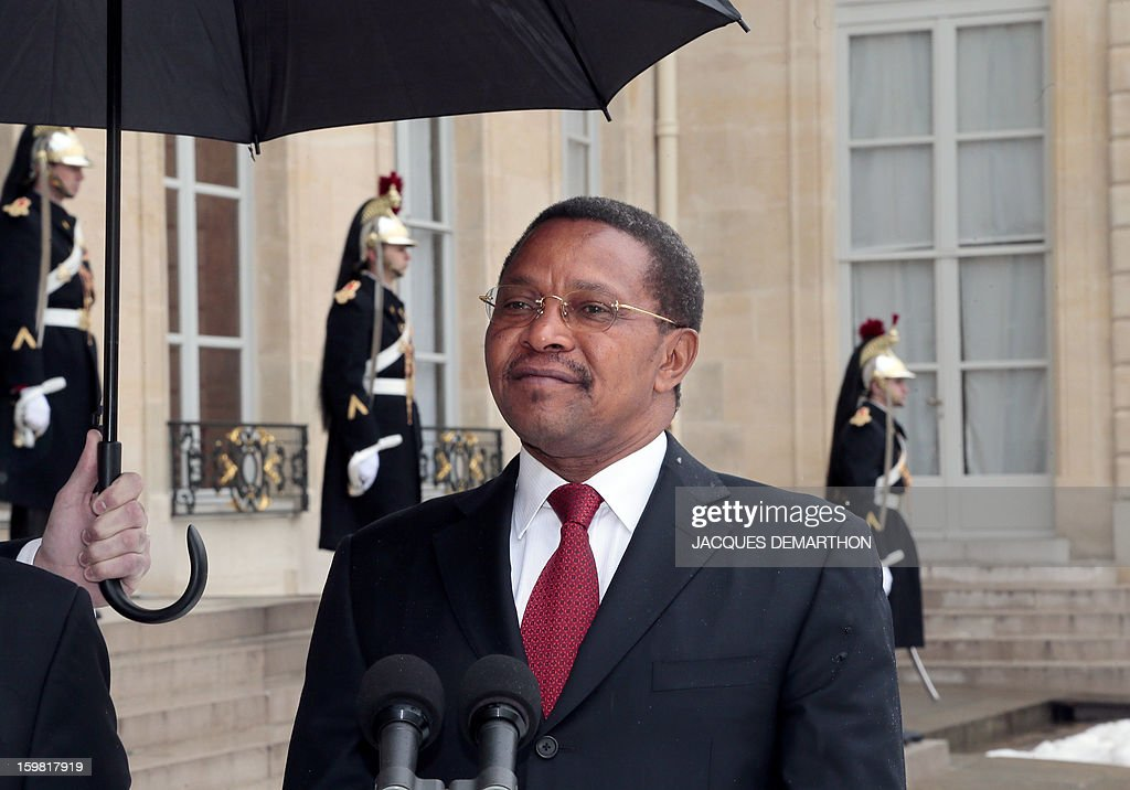 Tanzanian President Jakaya Kikwete speaks to the press after a meeting with France's President at the presidential Elysee Palace on January 21, 2013 in Paris.
