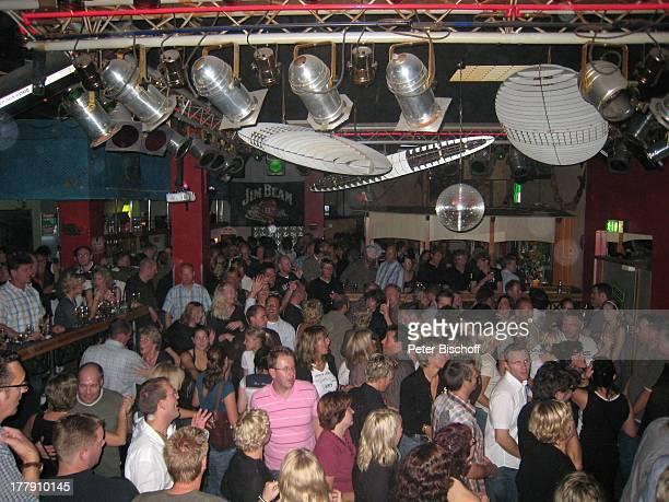 Tanzkeller 'Strandkorb' Insel Norderney Niedersachsen Deutschland Europa Feier feiern Tanzfläche tanzen InDiskothek Reise