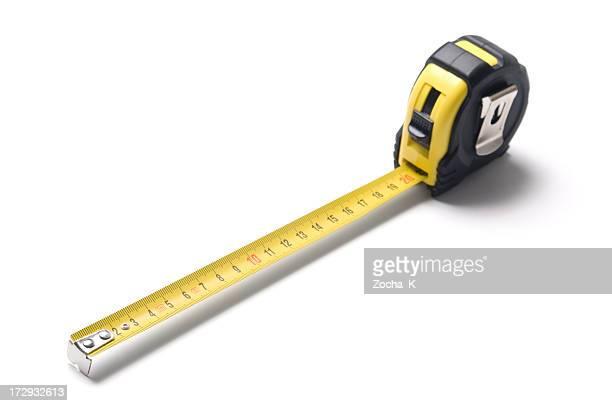 Un nastro di misura contro uno sfondo bianco