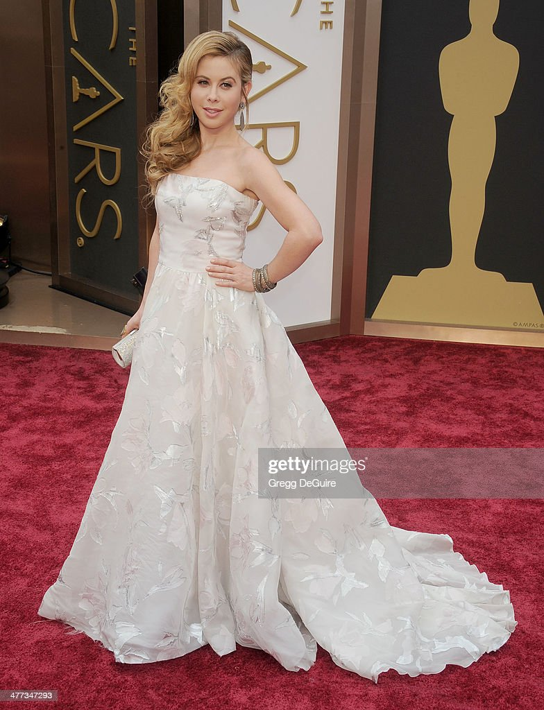 <a gi-track='captionPersonalityLinkClicked' href=/galleries/search?phrase=Tara+Lipinski&family=editorial&specificpeople=213748 ng-click='$event.stopPropagation()'>Tara Lipinski</a> arrives at the 86th Annual Academy Awards at Hollywood & Highland Center on March 2, 2014 in Hollywood, California.