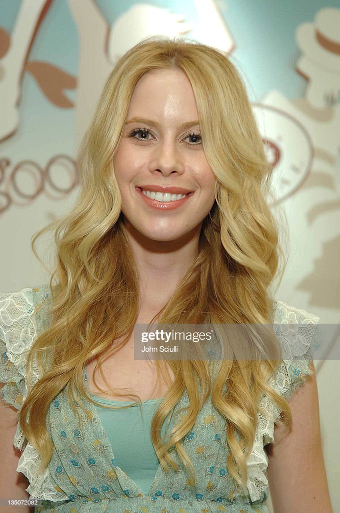 Tara Lipinski at Dr. Scholl's during Silver Spoon Hollywood Buffet - Day 2 at Private Residence in Beverly Hills, California, United States.