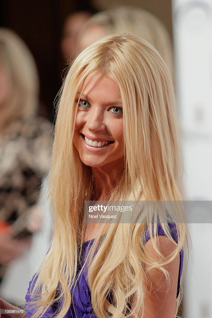 Tara Reid attends the 25th anniversary of Cedars-Sinai Sports Spectacular Hyatt Regency Century Plaza on May 23, 2010 in Century City, California.
