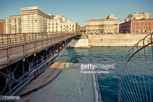 Taranto swingbridge