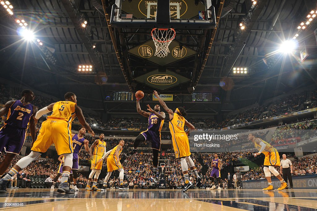 <a gi-track='captionPersonalityLinkClicked' href=/galleries/search?phrase=Tarik+Black&family=editorial&specificpeople=7338172 ng-click='$event.stopPropagation()'>Tarik Black</a> #28 of the Los Angeles Lakers shoots the ball against the Indiana Pacers on February 8, 2016 at Bankers Life Fieldhouse in Indianapolis, Indiana.