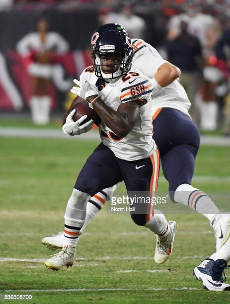 Tarik Cohen of the Chicago Bears runs with the ball against the Arizona Cardinals at University of Phoenix Stadium on August 19 2017 in Glendale...
