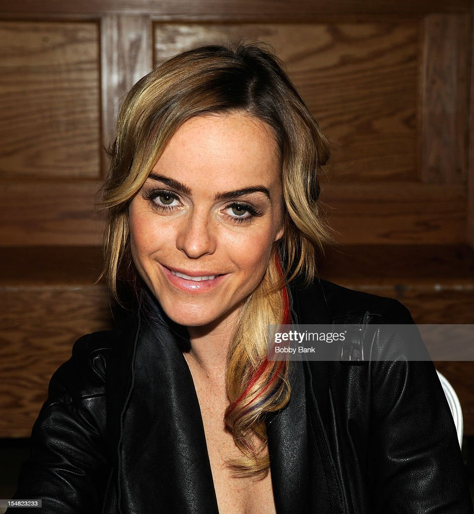 <a gi-track='captionPersonalityLinkClicked' href=/galleries/search?phrase=Taryn+Manning&family=editorial&specificpeople=202146 ng-click='$event.stopPropagation()'>Taryn Manning</a> attends the 2012 Chiller Theatre Expo at the Sheraton Parsippany Hotel on October 26, 2012 in Parsippany, New Jersey.