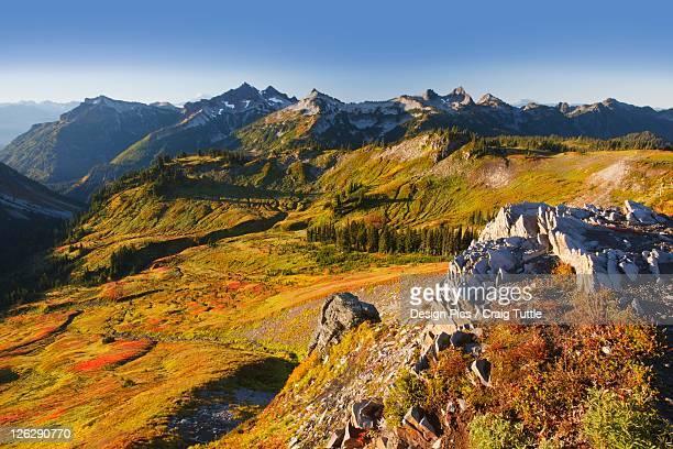 tatoosh mountains in mt. rainier national park in autumn