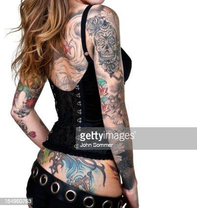 Tattooed Frau