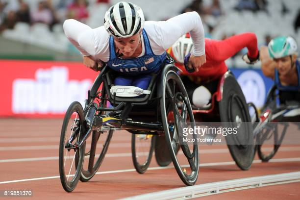 Tatyana McFadden of United States competes in the Women's 800m T54 round 1 during day five of the IPC World ParaAthletics Championships 2017 at...