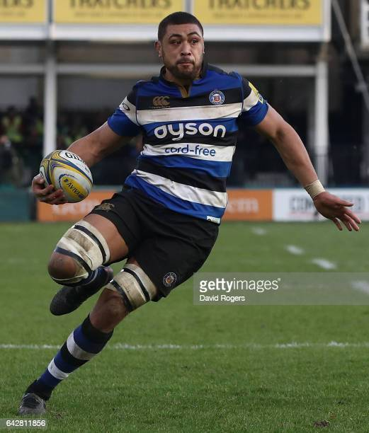 Taulupe Faletau of Bath runs with the ball during the Aviva Premiership match between Bath Rugby and Harlequins at the Recreation Ground on February...