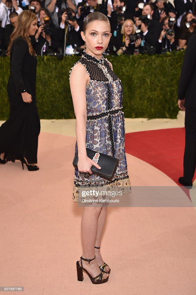 Tavi Gevinson attends the 'Manus x Machina: Fashion In An Age Of Technology' Costume Institute Gala at Metropolitan Museum of Art on May 2, 2016 in New York City.