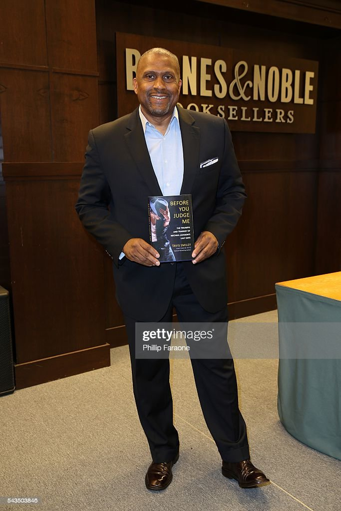 "Tavis Smiley Book Signing For ""Before You Judge Me: The Triumph And Tragedy Of Michael Jackson's Last Days"""