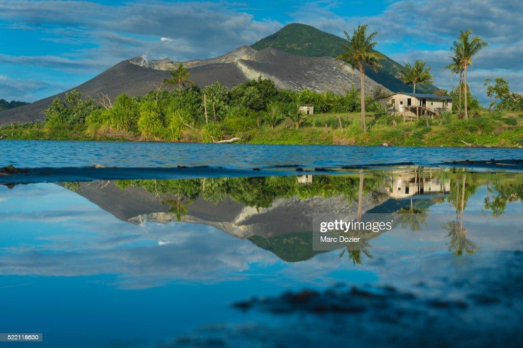 Tavurvur volcano from Matupit beach