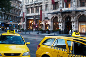 taxi in front of the famous café New York