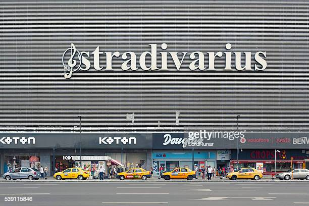 Taxis outside Unirea shopping center