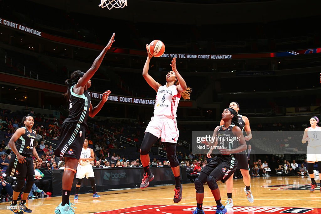 Tayler Hill of the Washington Mystics drives to the basket against the New York Liberty in Game Two of the WNBA Western Conference Semifinals on...